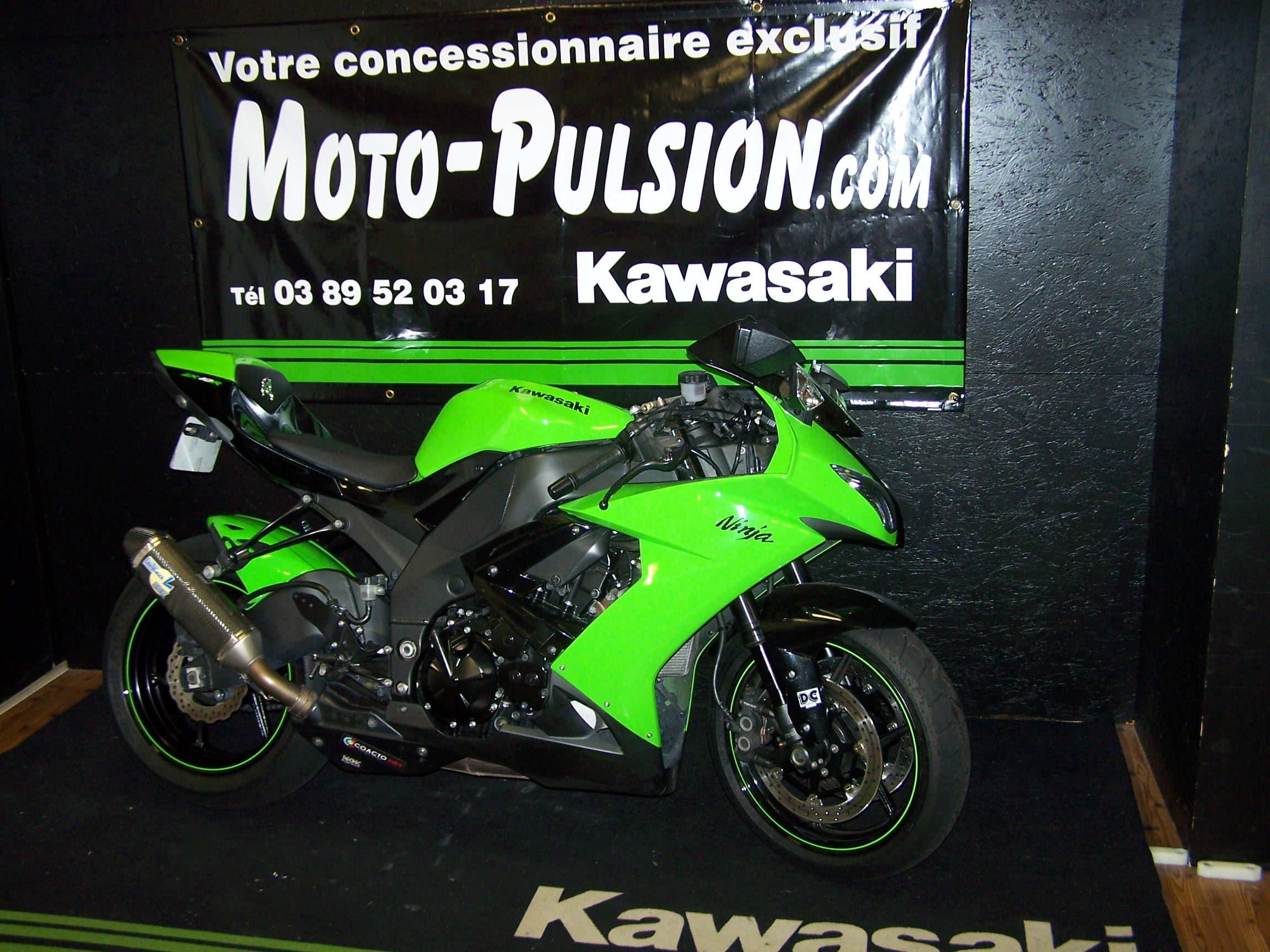 kawasaki zx10 r sportive occasion moto pulsion concessionnaire moto exclusif kawasaki en. Black Bedroom Furniture Sets. Home Design Ideas