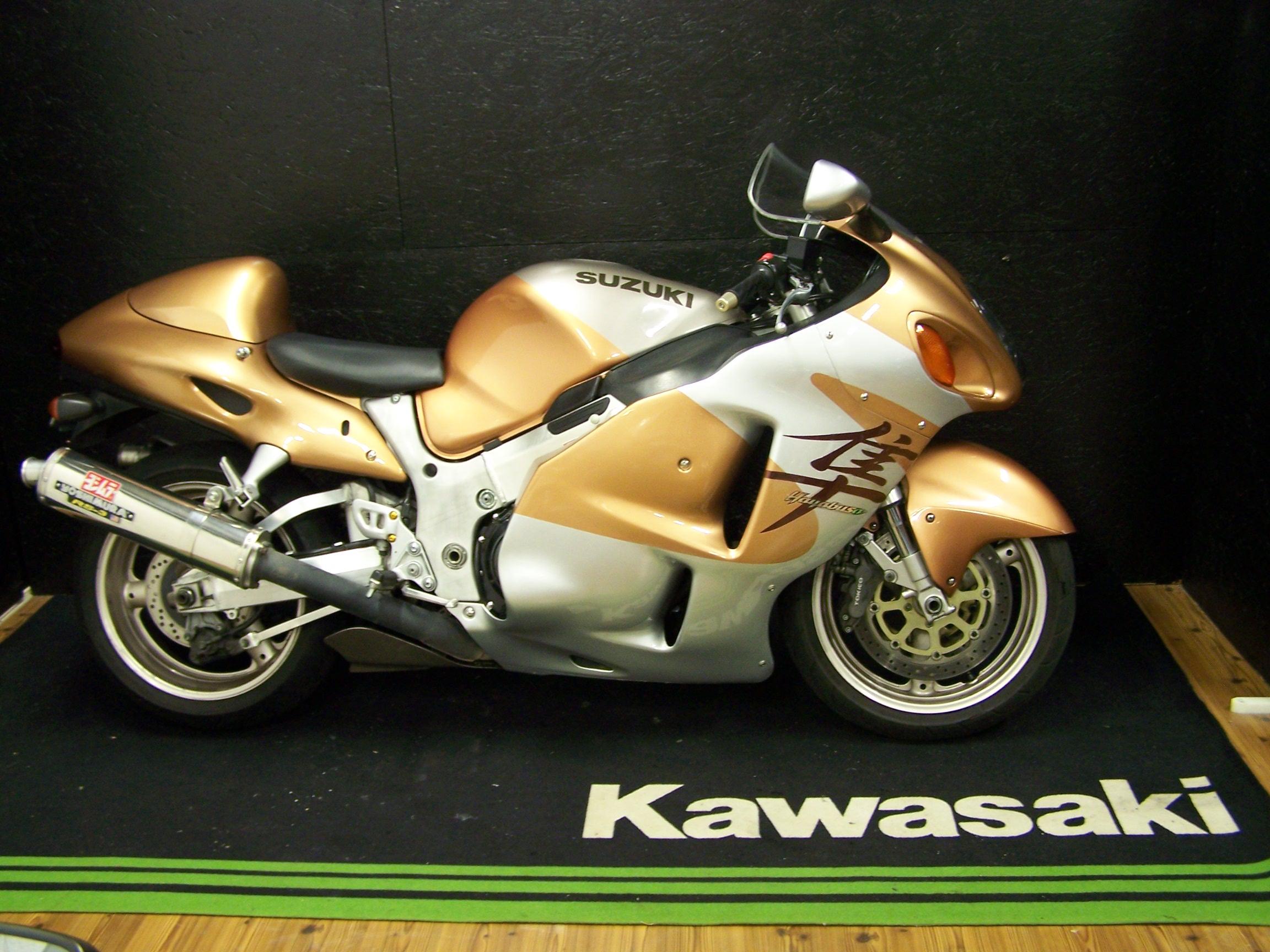 suzuki gsxr 1300 hayabusa sportive occasion moto pulsion concessionnaire moto exclusif. Black Bedroom Furniture Sets. Home Design Ideas